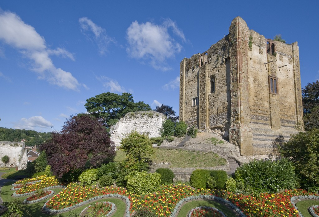 Guildford Castle, England by tps58. CC-BY-NC-ND 2.0.