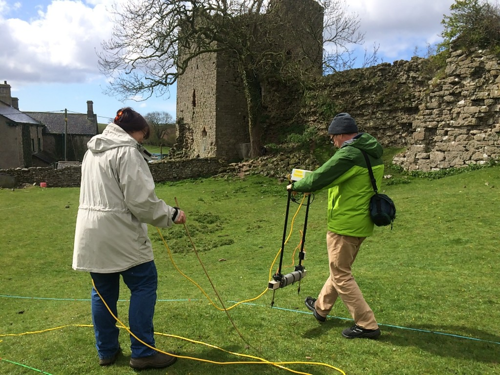 H2H Volunteers undertaking an earth resistance survey at the site