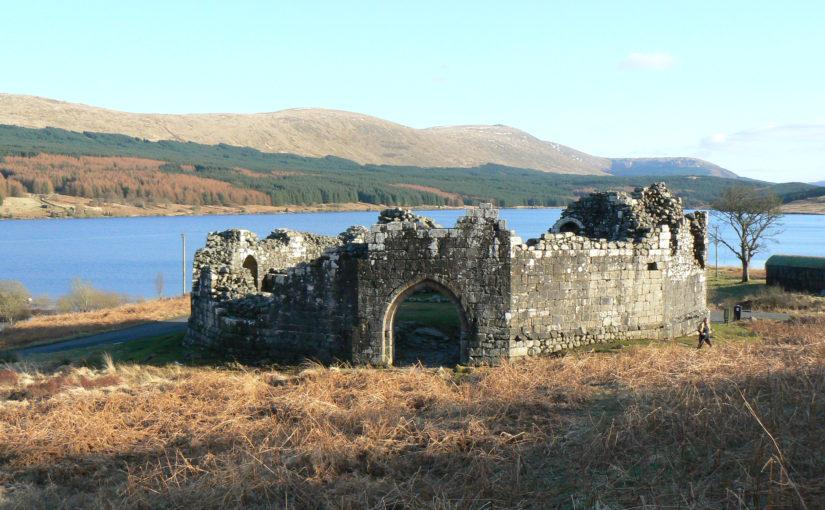 Doon on the lochfront: Loch Doon Castle (Ayrshire, Scotland)